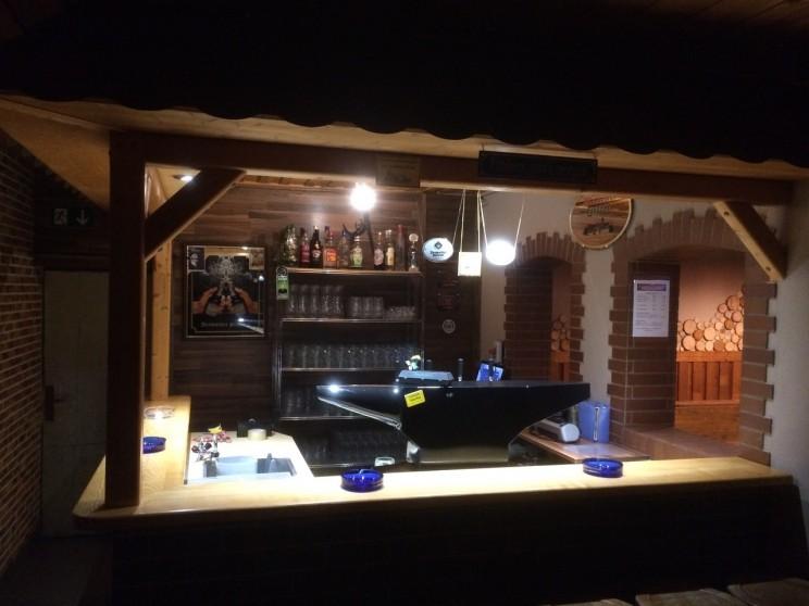 Thekenbereich mit lecker Bier vom Fass.